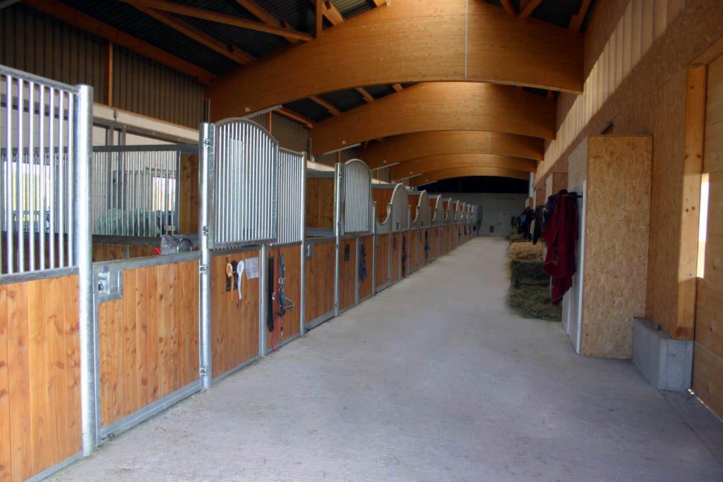 Robinienhof Idar-Oberstein - Pferdeboxen